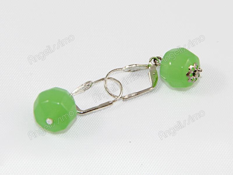 Серьги из зеленого стекла