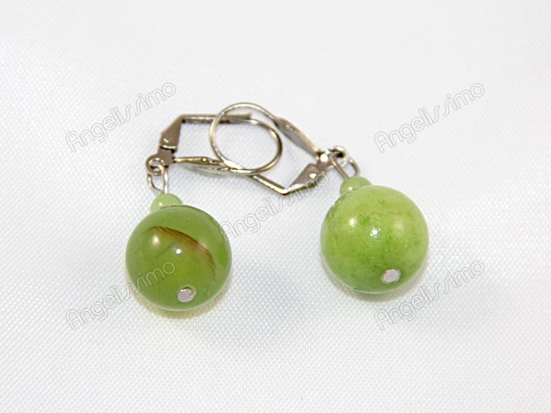 Серьги из зеленого жадеита